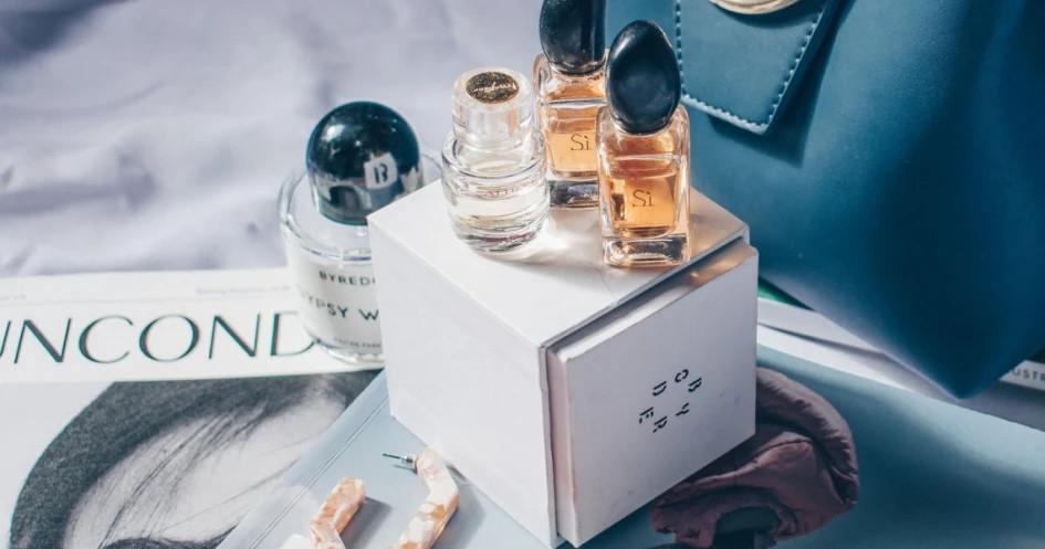 Cari Tahu Parfum Refill Wanita yang Wanginya Lembut ...